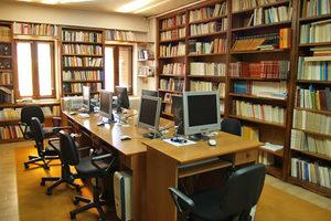 Λιγοστεύουν οι βιβλιοθήκες στην Ελλάδα